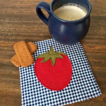 Tomato Felt Coaster made from Craft Warehouse Felt Patterns