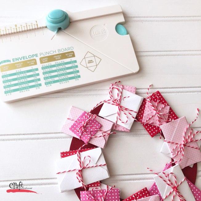 make this mini valentines envelope wreath