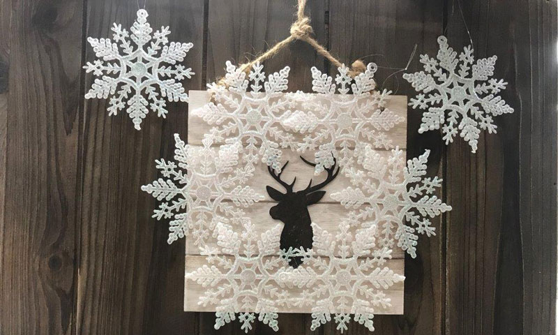 Glitter Snowflake Wreath on Plaque