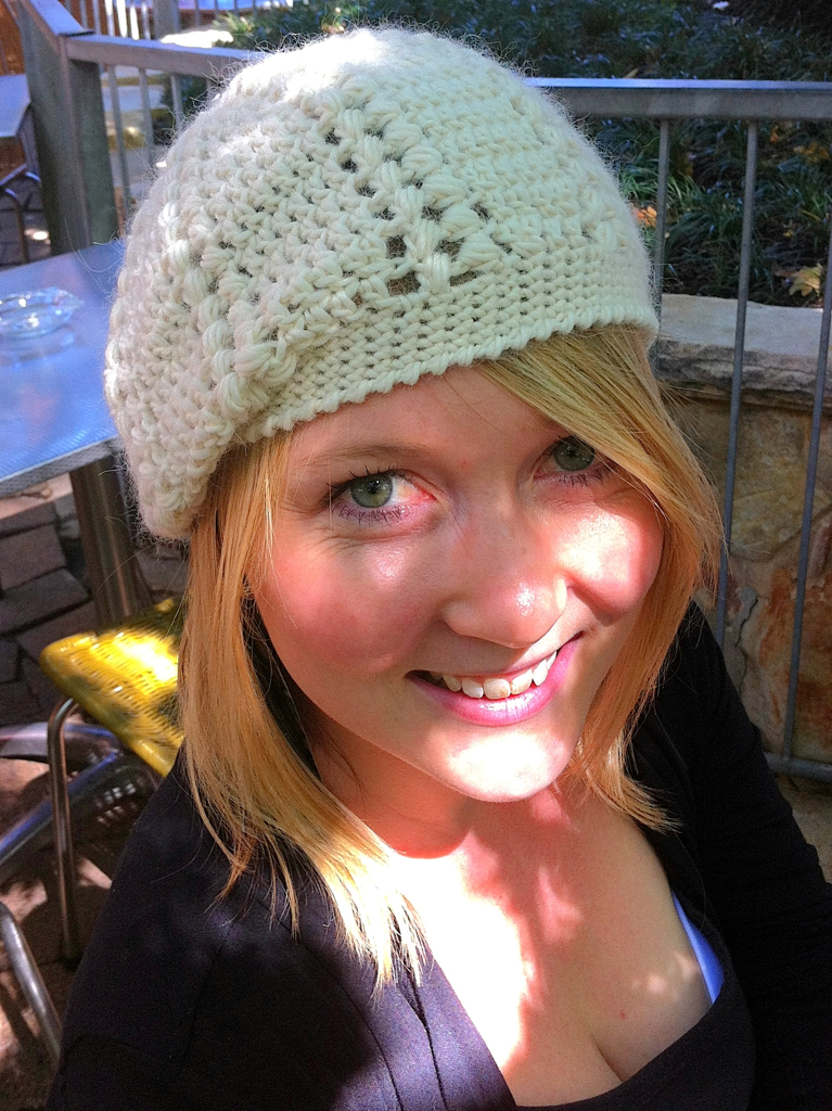 cream puff stitch beret modelled by pretty blonde