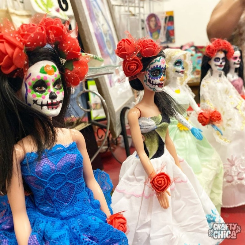 Make your own Day of the Dead Barbie! #craftychica #dayofthedeadbarbie #paintedbarbie #muertosbarbie