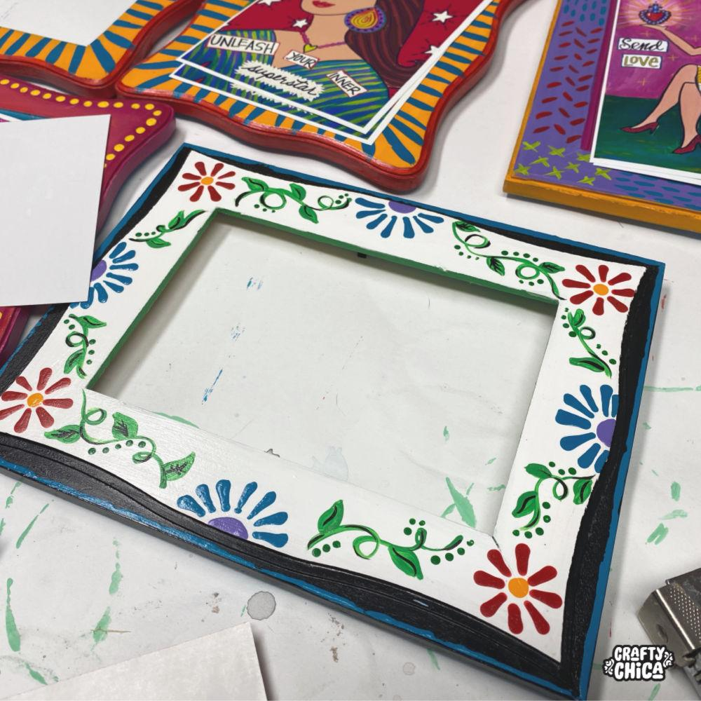 How to paint wood frames #craftychica #woodcrafts