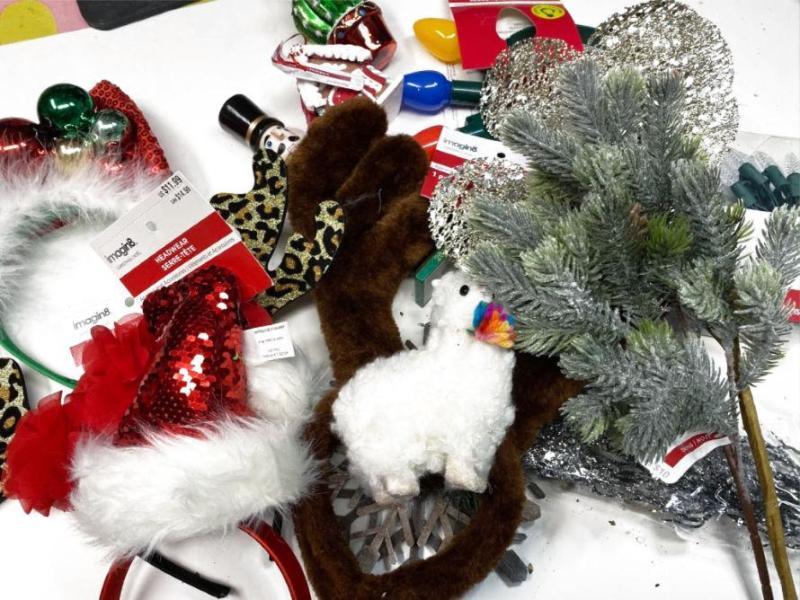DIY Holiday Headbands #craftychica #holidiyheadbands #holidaycraft