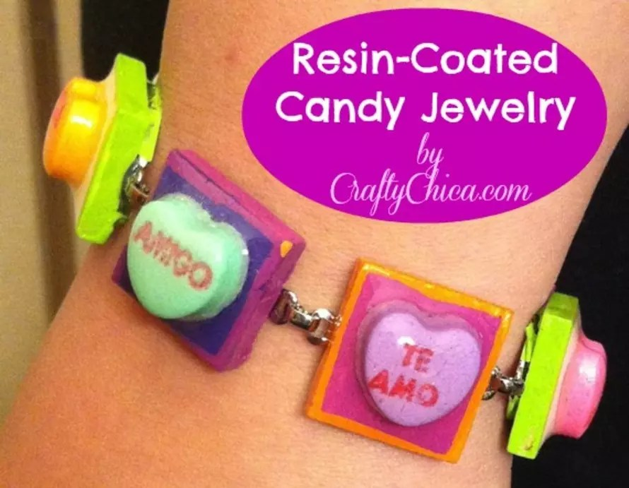 DIY Resin coated candy jewelry #craftychica #resincrafts #resinjewelry #valentinescrafts
