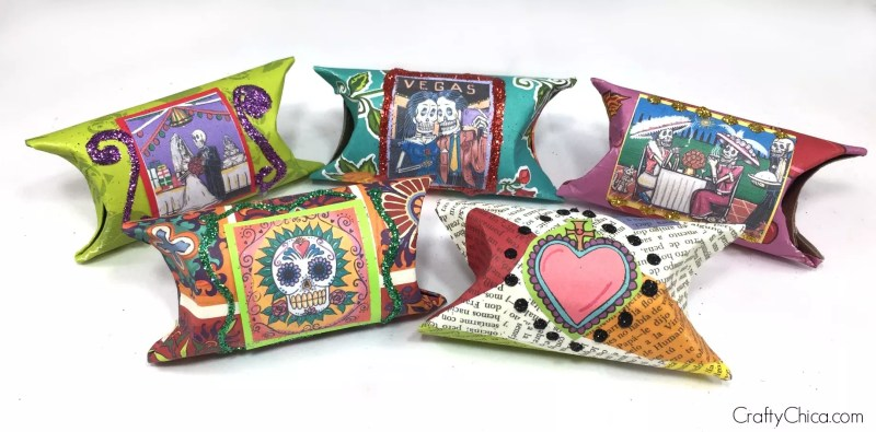 Use bath tissue paper rolls to make beautiful gift boxes for Dia de Los Muertos! By CraftyChica.com