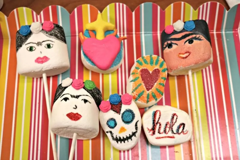 painted marshmallow pops by Crafty Chica and Candy Queen Bee Baker.
