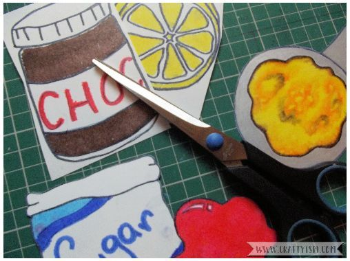 How to - Pancake Day craft necklace step 1