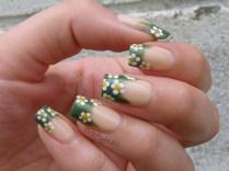 daisy_nail_art
