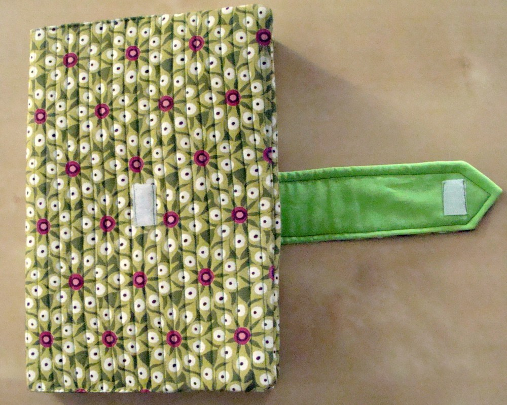 Quilted book cover (3/3)