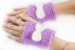 Crochet fingerless gloves - free pattern Another stylish accessory for fall/winter days, to add some variety to your wardrobe.