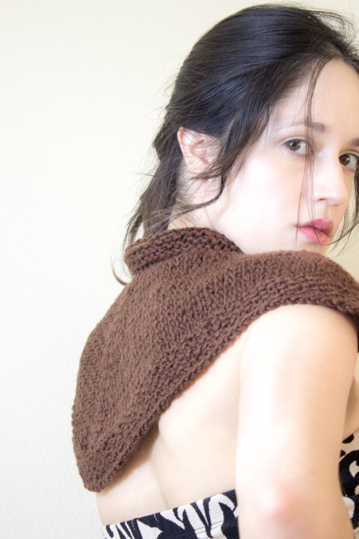 Mo Duinne Capelet - An Outlander inspired Knitting Pattern 4