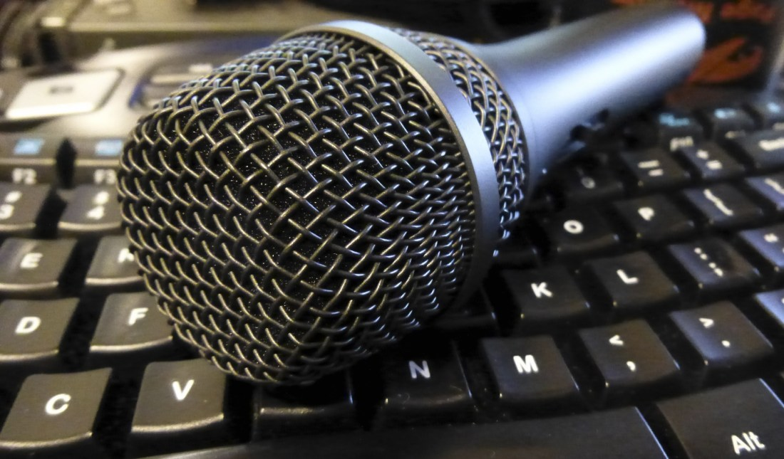 podcast-microphone