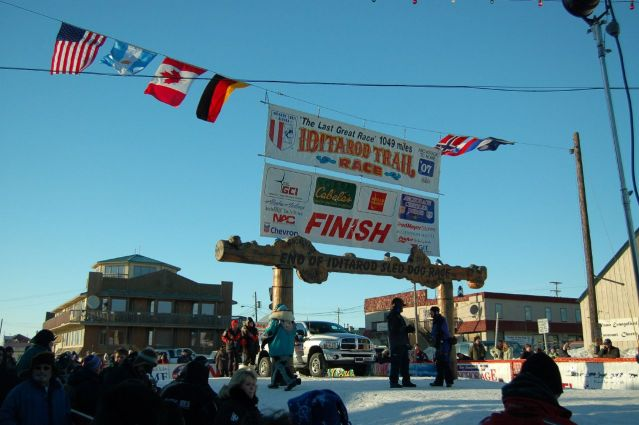 Iditarod_finish_line
