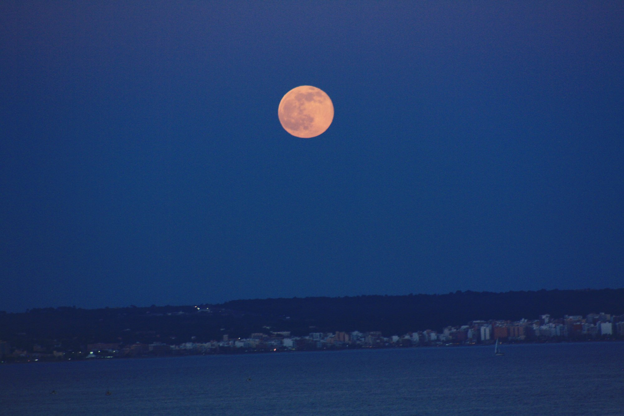 moon-over-mallorca
