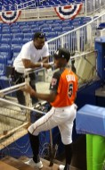 """Former major league pitcher Tom """"Flash"""" Gordon, who was a three-time All-Star, talks to his son Nick who played in the 2017 Futures Game. (Craig Davis/Craigslegz.com)"""