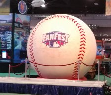 The world's largest baseball at 2017 All-Star FanFest. (Craig Davis/Craigslegz.com)