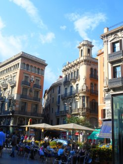 Las Ramblas is a a focal point in Barcelona for locals and tourists. (Craig Davis/Craigslegz.com)