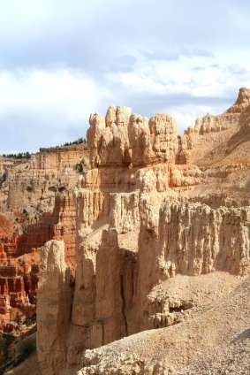 It isn't necessary to hike into Bryce Canyon to get a close look at the hoodoos. (Craig Davis/Craigslegztravels.com)