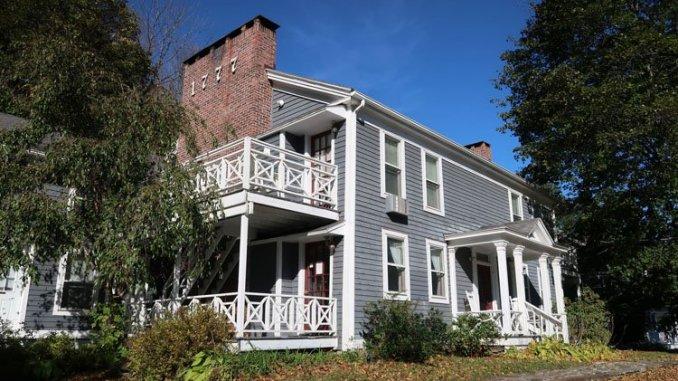 The Cornell Inn's MacDonald house dates to 1777, one of the oldest buildings in Lenox, Mass. (Craig Davis/CraigslegzTravels.com)