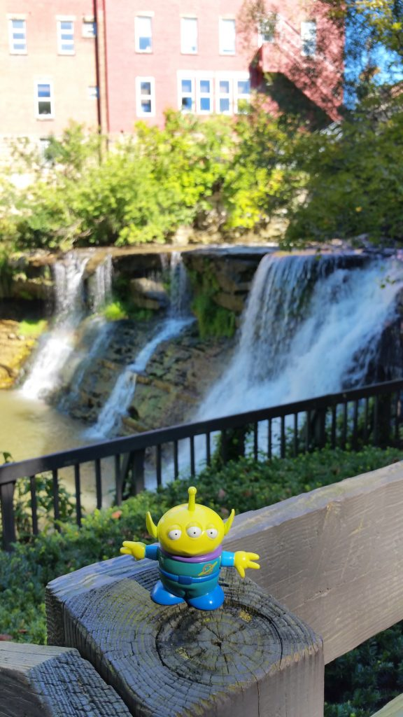 Bebop, the Craigslegz travel alien visited Chagrin Falls, Ohio. Visit our Alien page to see where else he's been. (Craig Davis/Craigslegztravels.com)