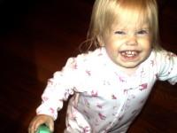 Violet_running_with_a_devilish_grin
