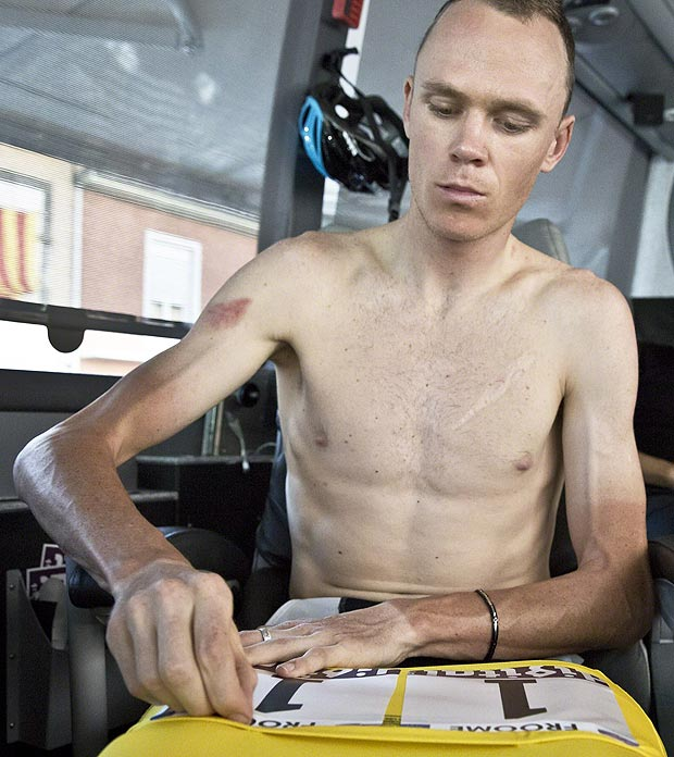 Pins he can manage, shoelaces are another matter, but since he got rid of the biceps Froome is .0000000012784 watts better off. Win!