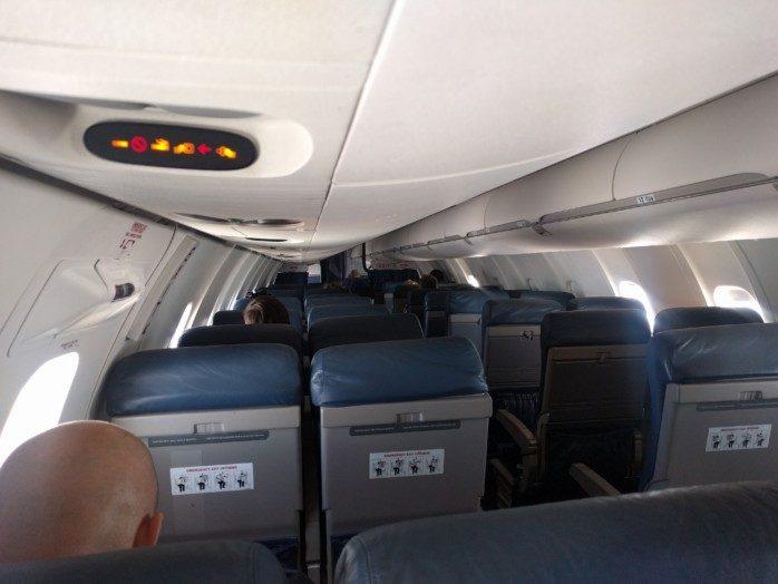 Quarter Full Mesa CRJ-900