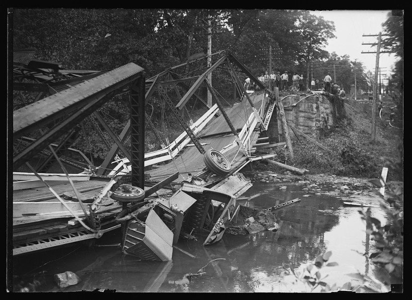 Collapsed bridge; Harris & Ewing, photographer; between 1921 and 1923; Library of Congress.