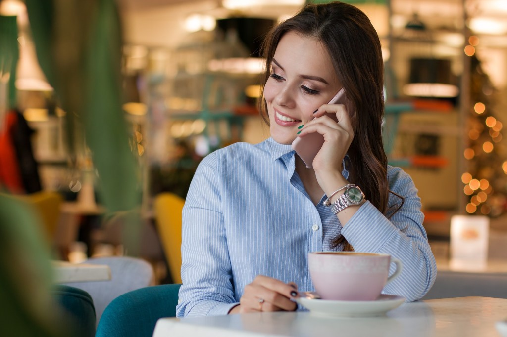 Communicate before common long distance relationship problems start