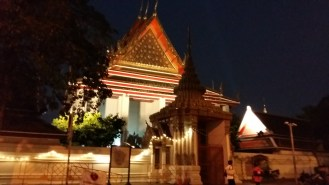 And a little further we wander in Home of Reclining Buddha - but everyone was sleeping allready.