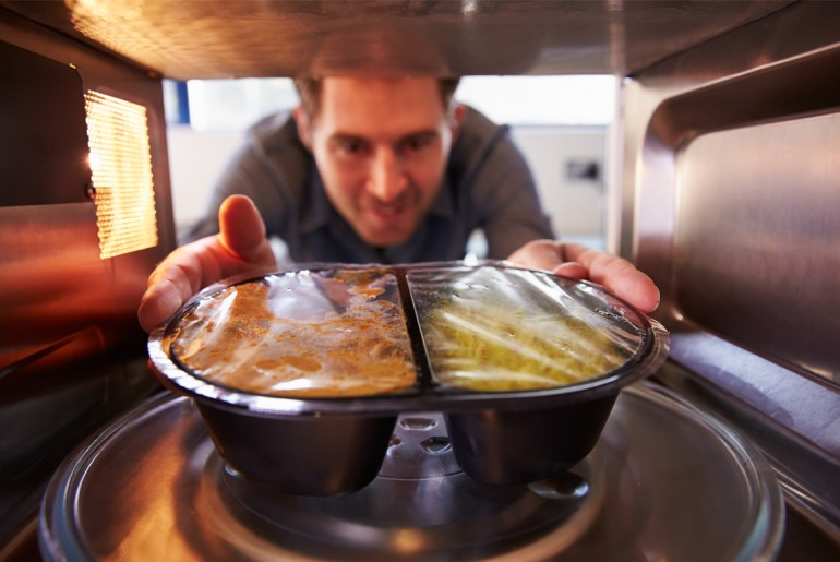 10 Things you shouldn't ever microwave-cover