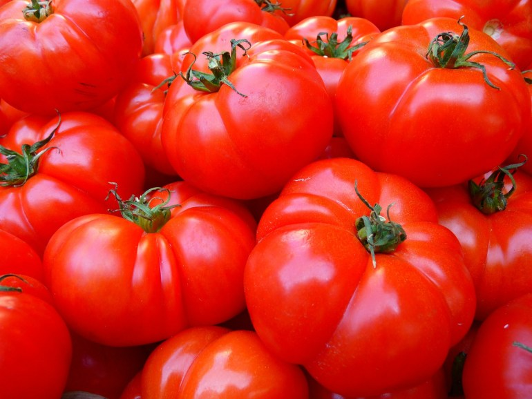 10 Vegetables that are really fruits_tomato