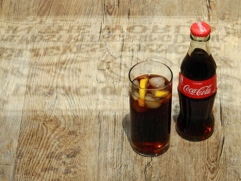 10 foods that can substitute as cleaning supplies_coke