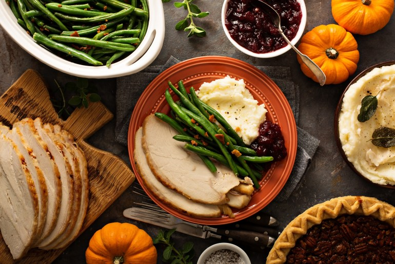 16 Grocery stores that will be open on Thanksgiving Day