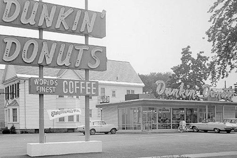 Can you guess the 10 oldest restaurant chains in America