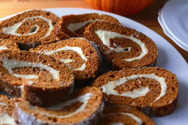 Classic pumpkin roll recipe_3