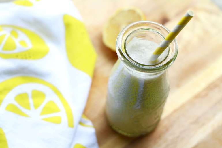 Creamy lemon, greek yogurt protein smoothie-2