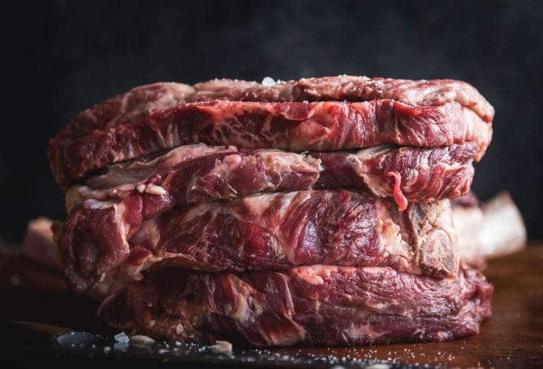 Foods you should never freeze_meat_steak_beef_raw