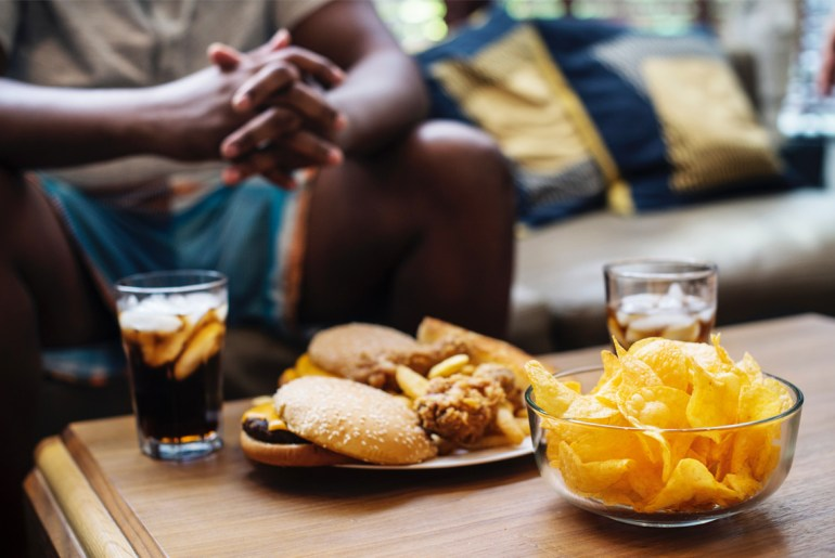 People prefer eating on the couch, not table, survey says