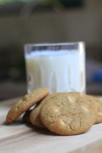 Pumpkin-Spice-White-Chocolate-Chip-Cookies-are-perfect-for-fall-flavor