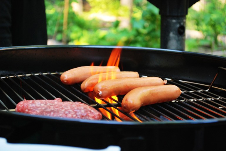 Walmart study shows which states prefer hot dogs vs. hamburgers by Everybody Craves
