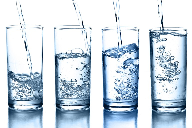 here's how much water you should actually be drinking by everybody craves