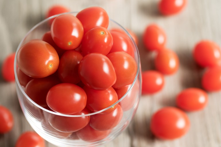 What's the difference between grape and cherry tomatoes?