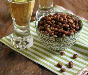 Spicy Southwest Roasted Chickpeas|Craving Something Healthy