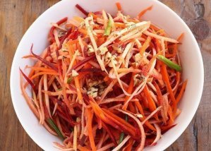 """Raw Rainbow """"Noodles"""" Craving Something Healthy"""