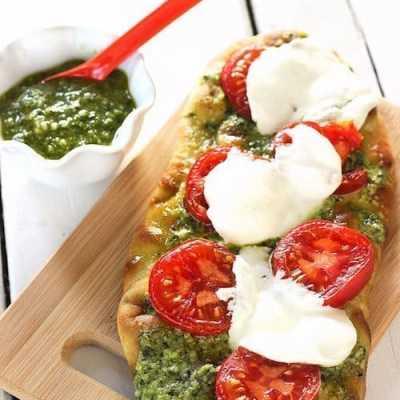 Grilled Pesto Tomato Flatbread