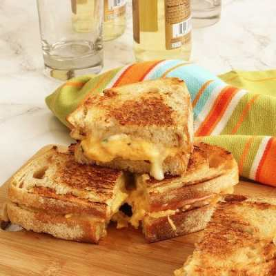 Grilled Cheddar, Brie and Apple Sandwiches