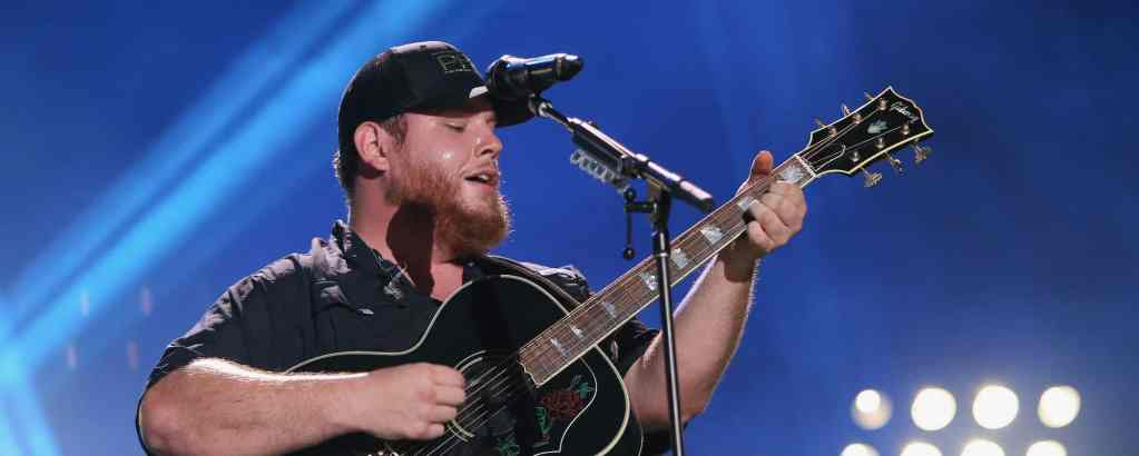Luke Combs at Chase Center