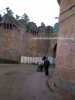 2. Outer-view of Golcond Fort
