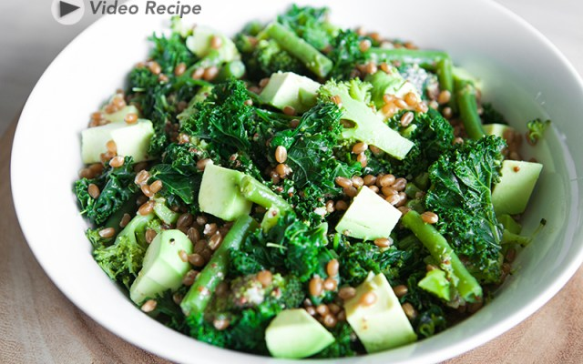 Delicious green salad with avocado, wheat berries and lemony vinaigrette. Recipe and Video.